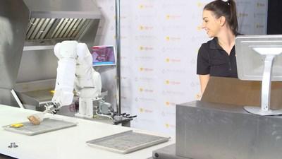 Flippy is the world's first AI powered robot kitchen assistant (PRNewsfoto/Miso Robotics)