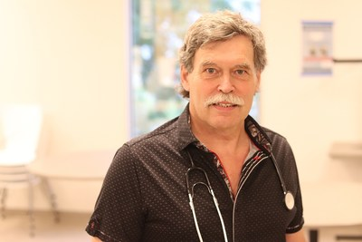 Dr.Jean Bourbeau, respirologist at the McGill University Health Centre (MUHC), senior researcher at the Research Institute of the MUHC, and professor at McGill University (CNW Group/McGill University Health Centre)
