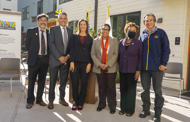 On Thursday, EBALDC and The Unity Council welcomed Housing and Urban Development Secretary Marcia Fudge to Casa Arabella, their award-winning affordable housing community in Oakland, California. (L to R: Andy Madeira, CEO, EBALDC; Chris Iglesias, CEO, The Unity Council; Oakland Mayor Libby Schaaf; U.S. Housing and Urban Development Secretary Marcia Fudge; Congresswoman Barbara Lee; and Oakland City Councilmember Noel Gallo)